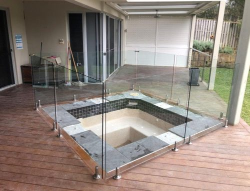 What makes a good pool fence?
